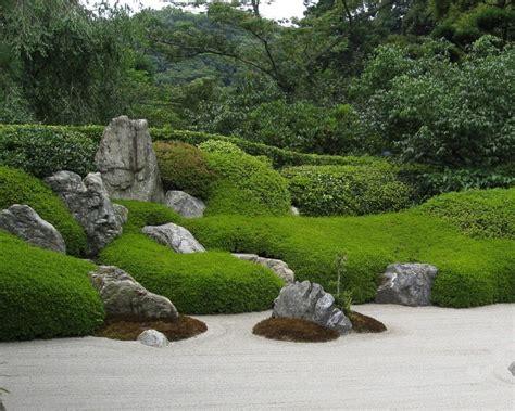 Garten Garden by C 243 Mo Decorar Un Jard 237 N Con Piedras