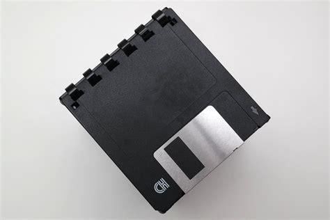 3 5 zoll diskette floppy 3 189 zoll aufbewahrung box aus disketten schwarz silber floppy