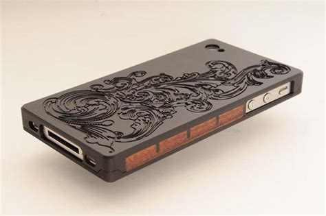 iphone 4 cases exovault metal iphone 4 cases gadgetsin