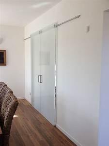 Foto porta scorrevole guida a vista di laboratorio vetri for Guida porta scorrevole