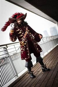 Captain James Hook from Peter Pan (2003) Cosplayer: Muralu ...