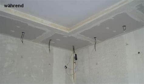 deckengestaltung selber machen wohnideen wandgestaltung maler couchecke im wohnzimmer mit besonderem charme hier ist nichts