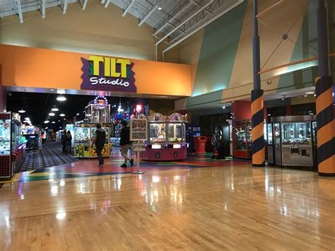 gurnee mall hours gurnee mills il updated 2018 top tips before you go with photos tripadvisor