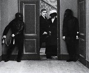 René Magritte: The Menaced Assassin | Tate
