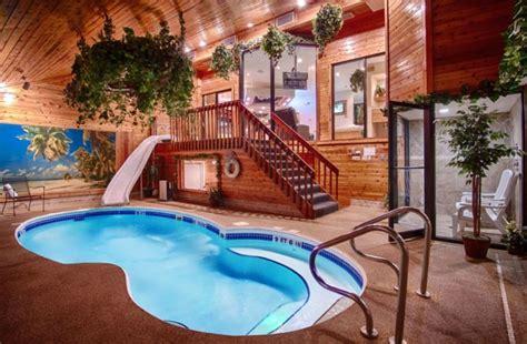 sybaris    romantic hotel  illinois