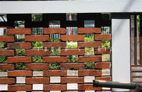 Model pagar minimalis sederhana ini menggabungkan material besi dengan tembok untuk mengimbangi komposisi pagar agar terlihat. Model Desain Pagar Batu Bata Rumah Minimalis Terbaru dan ...