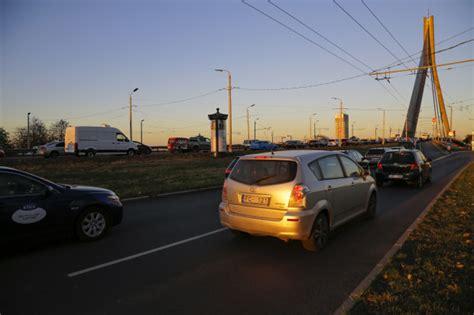 Latvijā ieviesīs vieglo automašīnu reģistrācijas nodokli - nra.lv