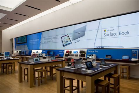 Microsoft Opens First Flagship Store