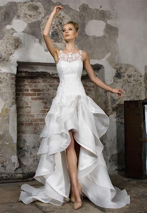 Il portale degli abiti da sposa abiti da sposa. LEVITAS | Vestiti Da Sposa Con Coda Lunga - Collezione 2017