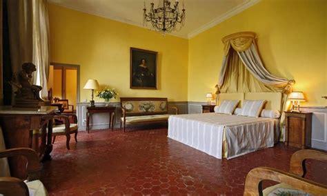 chambre d h e avignon chambres d 39 hôtes château de la barben avignon et provence