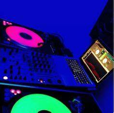 Dj equipment Numark ns7 MacBook pro Fresh Swagg y