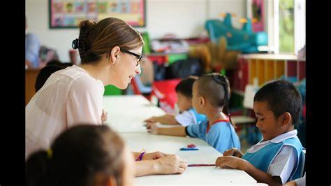 teaching english  kindergarten students  thailand