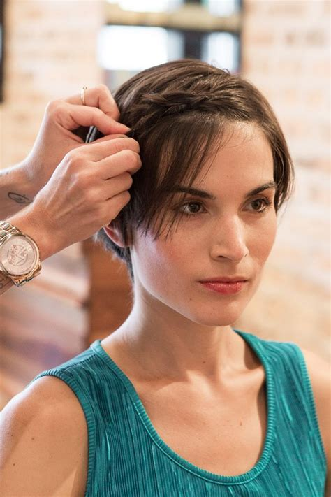 how to style your pixie cut while growing it out hair