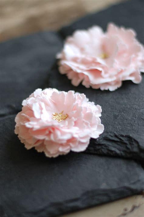 fleur en pate a sucre 17 meilleures images 224 propos de p 226 t 233 225 sucre sur d 233 co de cupcakes fondant