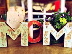 9 sencillas manualidades para regalar el Día de la Madre | DIY