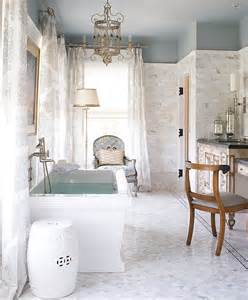 White Bathroom Decorating Ideas