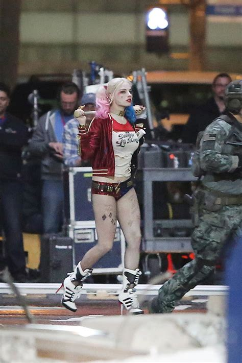 detailed set   suicide squad