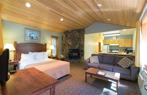 Adams supply the dramatic backdrop. Westcliff Lodge (Hood River, OR) - Resort Reviews ...