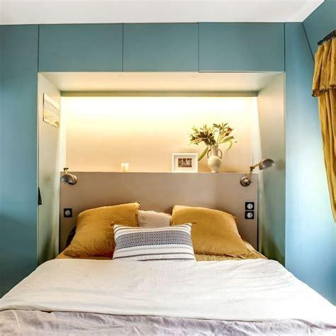 chambre avec tete de lit