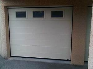 epique porte de garage sectionnelle avec fenetre et porte With porte de garage enroulable avec photo porte fenetre pvc