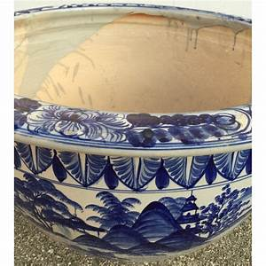 Cache Pot Bleu : grand cache pot en c ramique bleu blanc moinat sa antiquit s d coration ~ Teatrodelosmanantiales.com Idées de Décoration