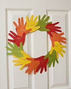 Handy Thanksgiving Wreath Activity