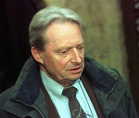 sandro siege social l 39 ancien conseiller d 39 etat neuchâtelois jean cavadini est