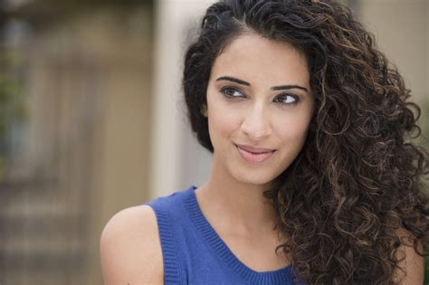 How to Style Curly Hair Without Frizz | StyleCaster