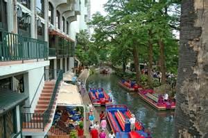Hotels Near Riverwalk San Antonio
