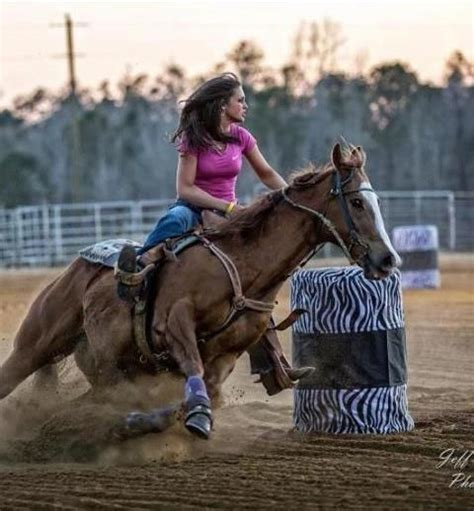 barrel racing horse cowgirls rodeo country cowgirl riding working horses pretty western paint cowboy ranch pole quotes cow american zebra