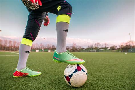 154174 barang ditemukan dalam sepakbola. √Sepak Bola | Pengertian, Sejarah, Teknik Dasar, dan ...