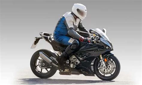 2018 Bmw S1000rr Could Debut At Eicma Next Month