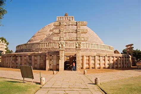The Great Stupa – Sanchi, India | Must See Places