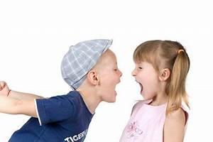 Ab Wann Kind Mit Decke Schlafen : streit unter kindern wann sollen eltern sich einmischen die seite f r v ter ~ Bigdaddyawards.com Haus und Dekorationen