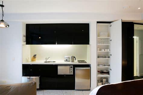 Small Apartment Kitchen Decorating Ideas - studio apartment kitchens studio apartment kitchens gorgeous studio apartment kitchen ideas