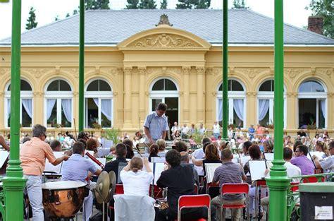 Kudy z nudy - Nedělní promenádní koncerty v Olomouci