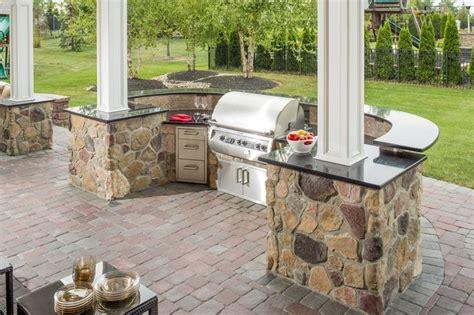 veneer outdoor kitchen outdoor kitchen ep henry cast veneer stone and patio pavers outdoor kitchens pinterest