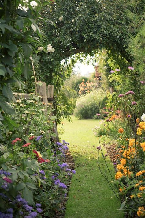 Best 25+ Cottage Garden Design Ideas On Pinterest Garden