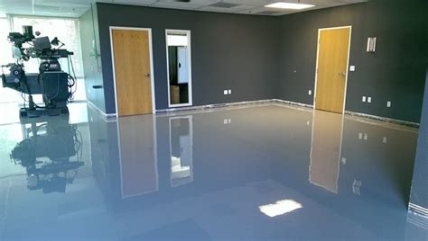 What is The Best Epoxy Paint to Refinish a Garage Floor