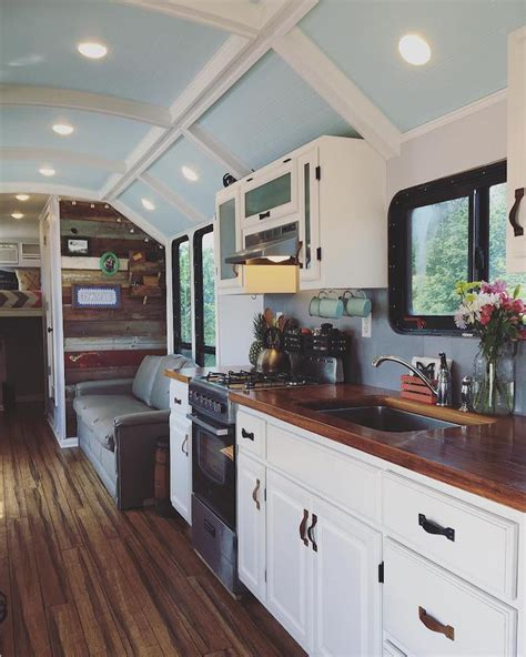 School Bus Conversion Transforms the Vehicle into Spacious ...