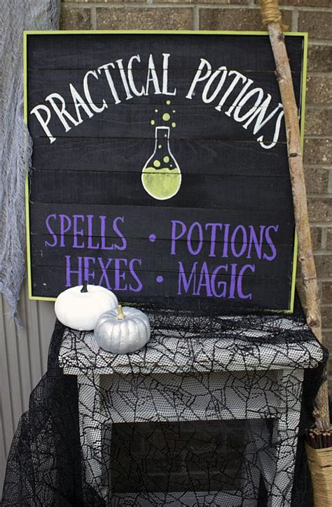 practical potions halloween sign project  decoart