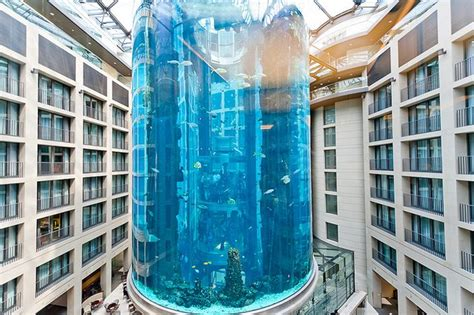 10 largest best aquariums in the world