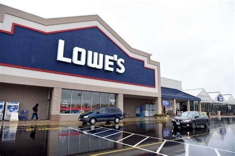 lowes closing connecticut store