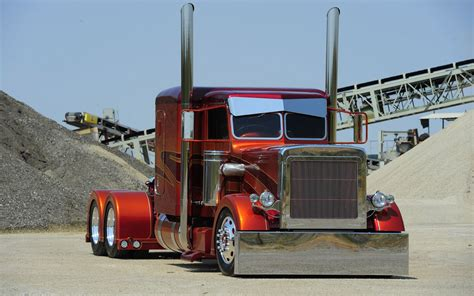 Custom Semi Truck Wallpapers by Free Semi Truck Wallpapers Wallpaper Wiki