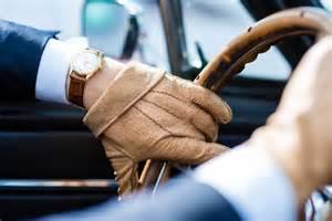 voiture de location mariage gants de conduite pour le mariage le journal du marié