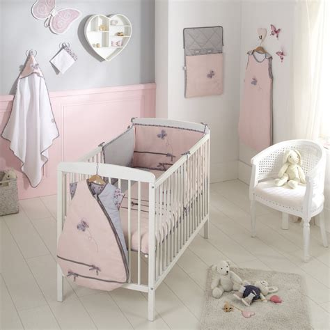 chambre bb fille stunning battement chambre bb fille chambre fille gris et