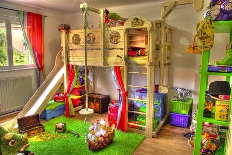 toddler bunk beds  turn  bedroom   playground