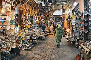 Satfinder Media Markt : marrakechin kauppakujat sokkeloita ja h rski tinkimist kerran el m ss ~ Frokenaadalensverden.com Haus und Dekorationen