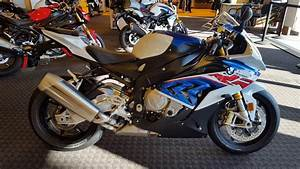 Bmw S1000rr 2018 : 2018 bmw s1000rr prem in motorrad colors uncrate walk around frontline eurosports youtube ~ Medecine-chirurgie-esthetiques.com Avis de Voitures