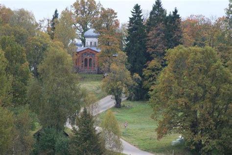 Plāni baznīca, Igaunija